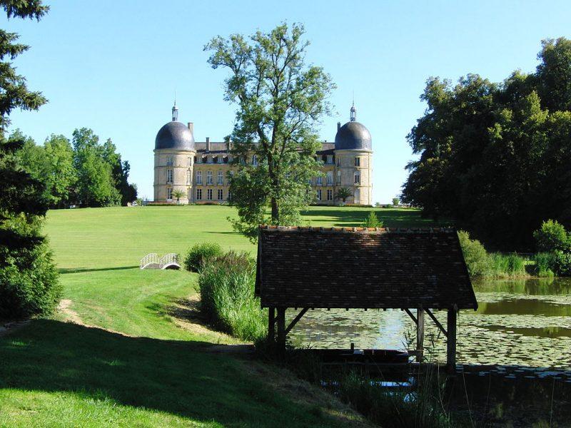 Façade nord du château et son parc à l'anglaise - Photo : Eponimm (Wikimedia)
